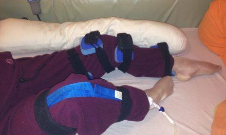 Met een beenheffer een verzwakt of spastisch been buigen?