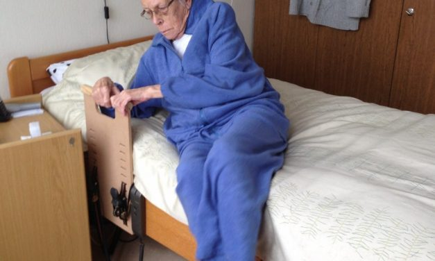 Bedbeugel: makkelijker uit bed