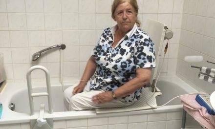 Hoe werkt een badlift?